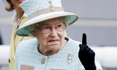 12. Похоже, с нее достаточно британия, королева Елизавета, королевская семья, этот неловкий момент