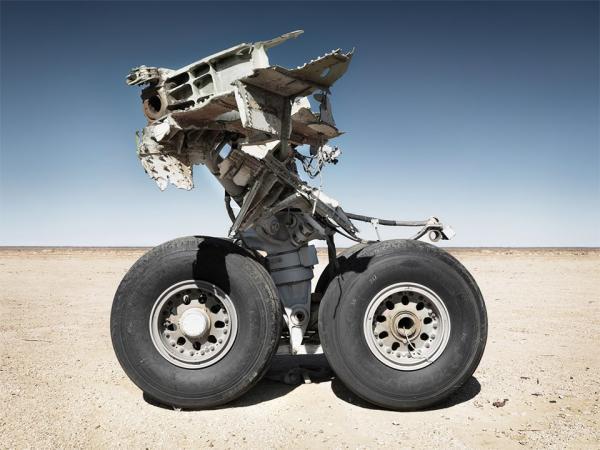 Кладбище самолётов  в выжженной пустыне
