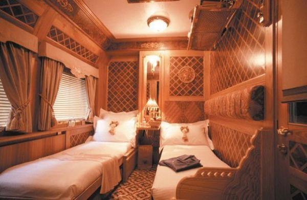 Самый красивый поезд Азии