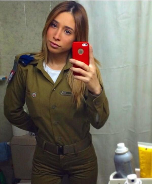 Солдат ЦАХАЛа Ким Меллибовски на службе и на отдыхе