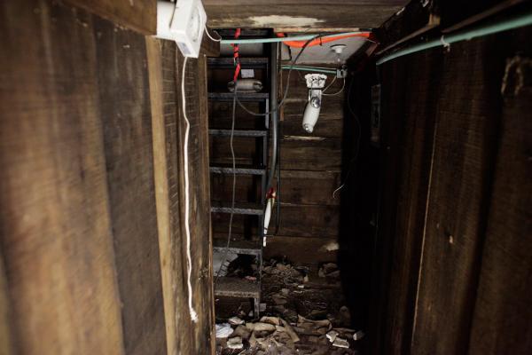 Секретный подземный тоннель наркобарона (14 фото)