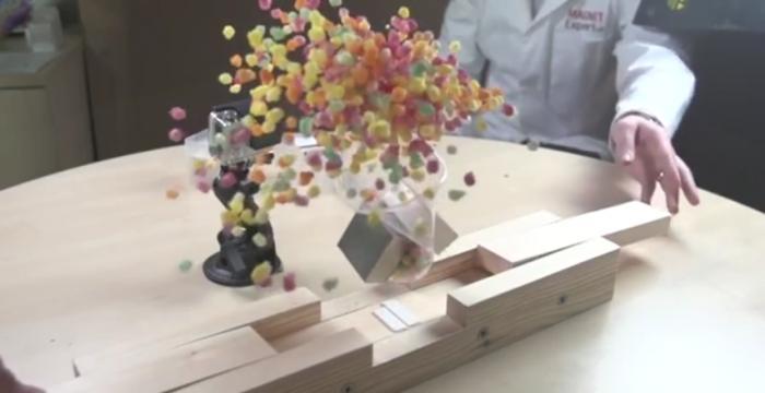 Супер-сильный неодимовые магниты уничтожают бытовые предметы в замедленном движении