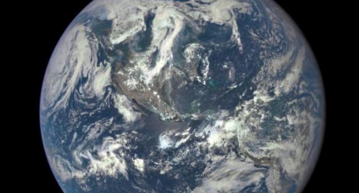 Это первая фотография Земли сделанная 43 года назад.