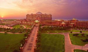 Самый дорогой отель мира – Emirates Palace в Абу-Даби (ОАЭ)