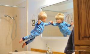 Отец сделал вдохновляющую серию снимков для сына с синдромом Дауна