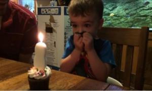 Мальчик не мог задуть свечку и папа нашел выход
