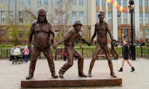 15 великолепных памятников любимым героям советского кино