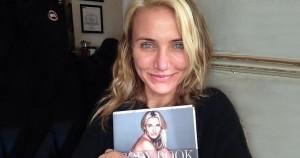 20 известных красоток, которые не побоялись показать себя без макияжа